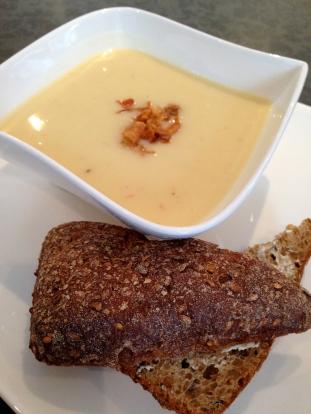 Potet og løk suppe